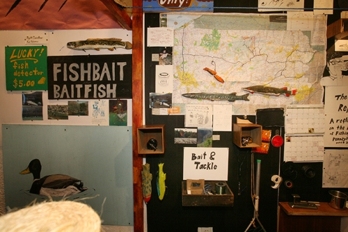 The installation included maps and practical fishing information.  Photo by L. Rippel.