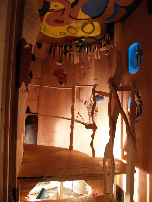 Universe Room, a maze-like entrance including sound and kinetics.